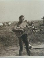 1932-33 Emmerich Arleth mit Gitarre 1932-33
